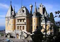 http://sunnycrimea.com/imgs/sights/massandra_palace_01.jpg